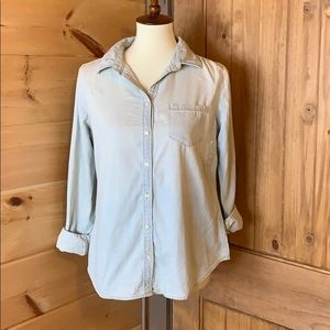 J.C. Penney light wash chambray blouse Petite S